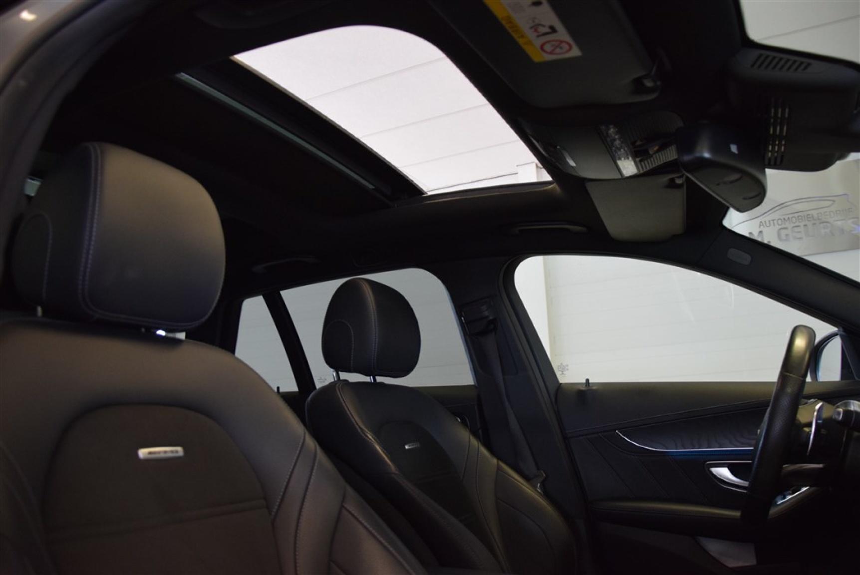 Mercedes-Benz-C-Klasse-24