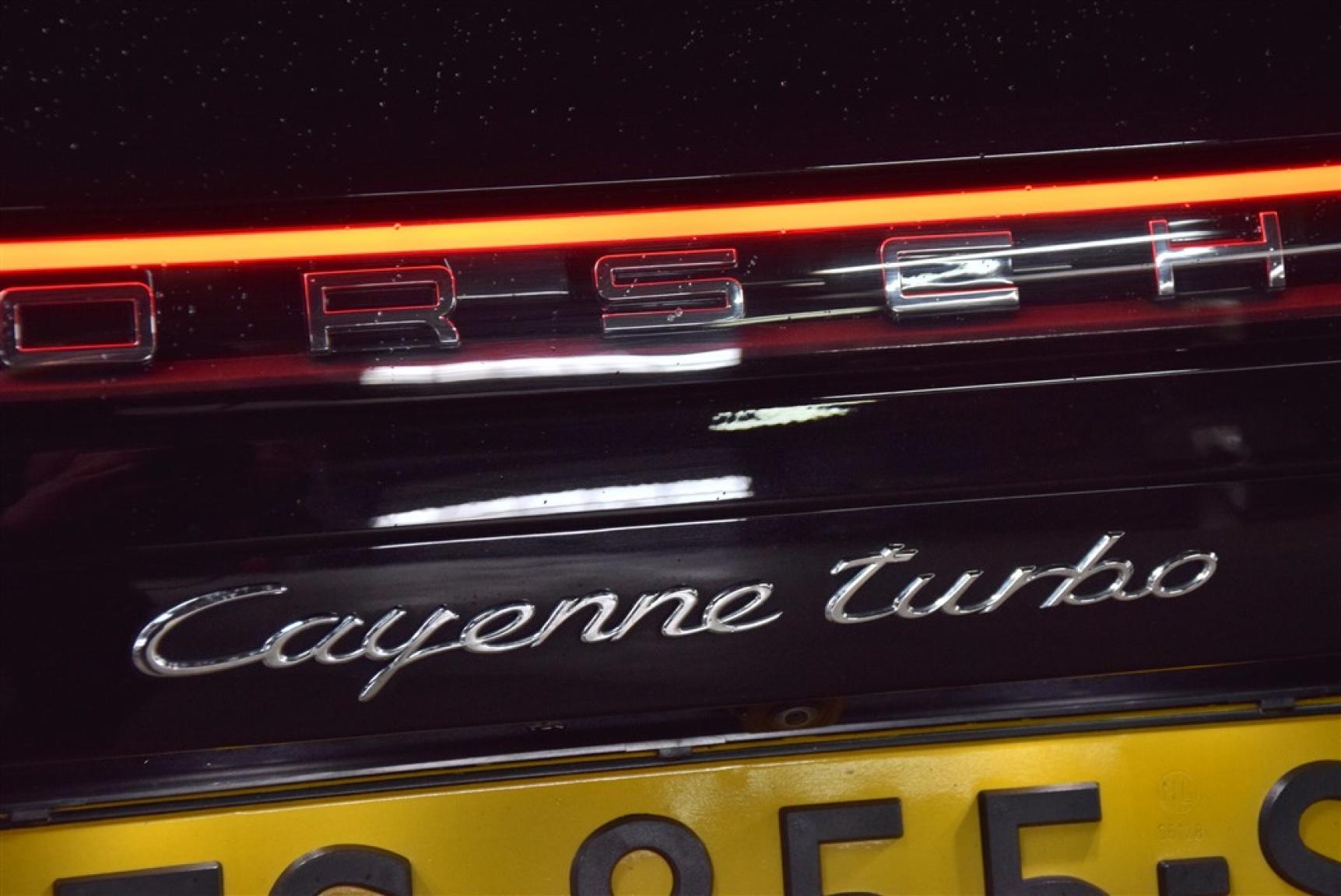 Porsche-Cayenne-24