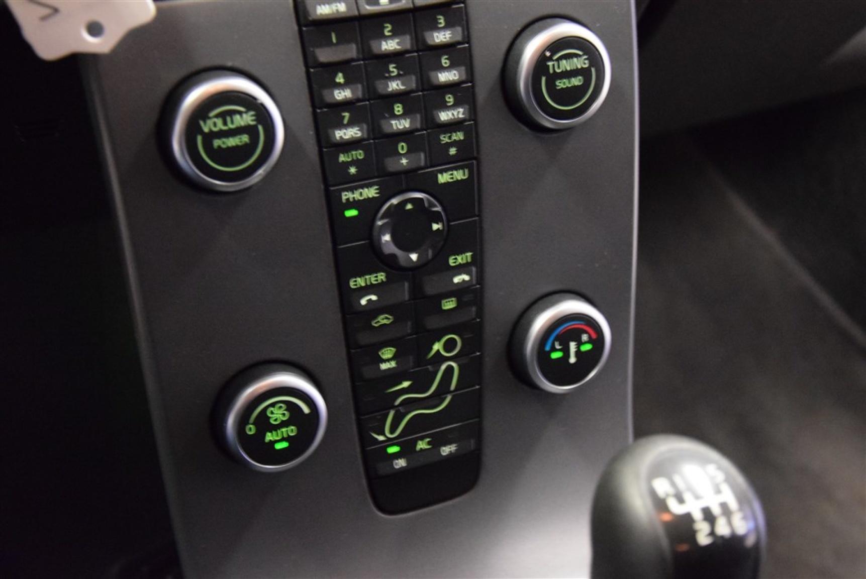 Volvo-V50-11